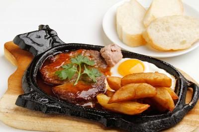 ベトナム風牛肉ステーキ