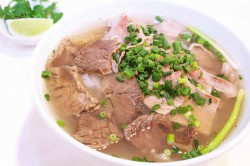 しゃぶしゃぶ牛肉とじっくり煮込んだ牛肉のコラーゲンフォー
