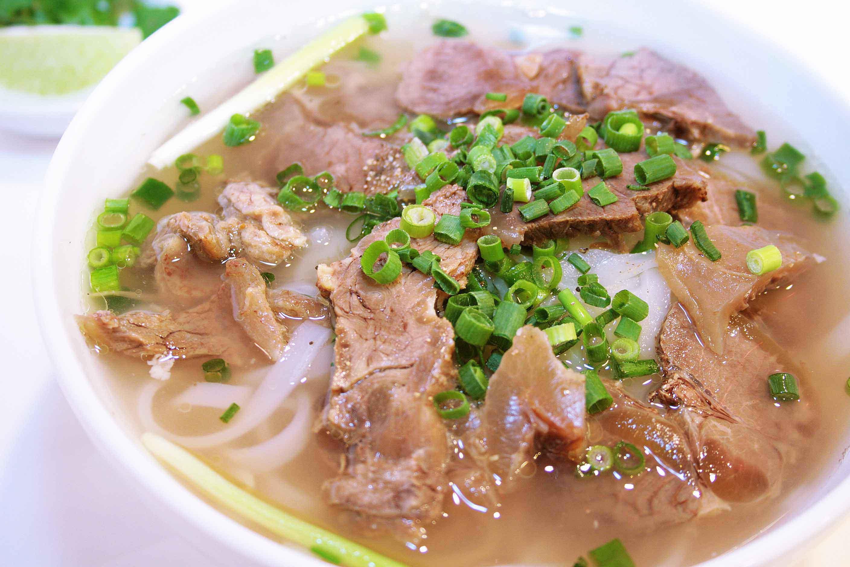 じっくり煮込んだ牛肉のコラーゲンフォー | ベトナム料理  フォーハノイ ★PHO HANOI TOKYO★ アジアンフード