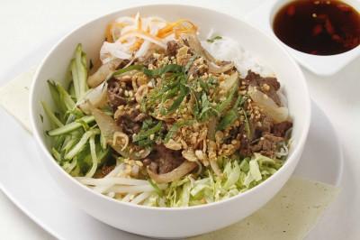 ベトナム風牛肉サラダ麺